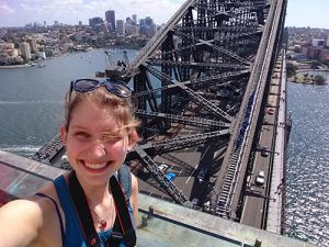 Tijdens een stage in Australie op de Harbour bridge in Sydney